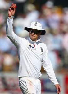 Graeme Swann took a five-wicket haul today to undermine Australia's batting.