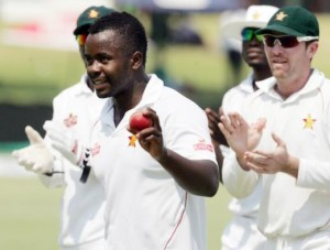Brian Vitori grabbed five wickets and opener Tino Mawoyo scored a half-century as Zimbabwe took control of the second test against Pakistan with a 185-run lead today.