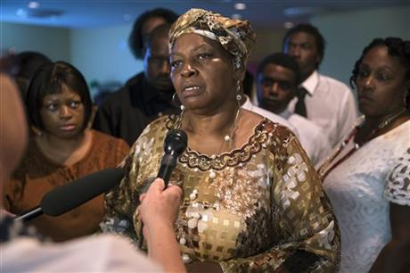 Audrey Dubose, mother of Samuel Dubose, speaking to the media following funeral services at the Church of the Living God in the Avondale neighbourhood of Cincinnati yesterday.