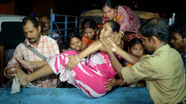 People injured by the quake in the Indian state of West Bengal were rushed off to hospital.