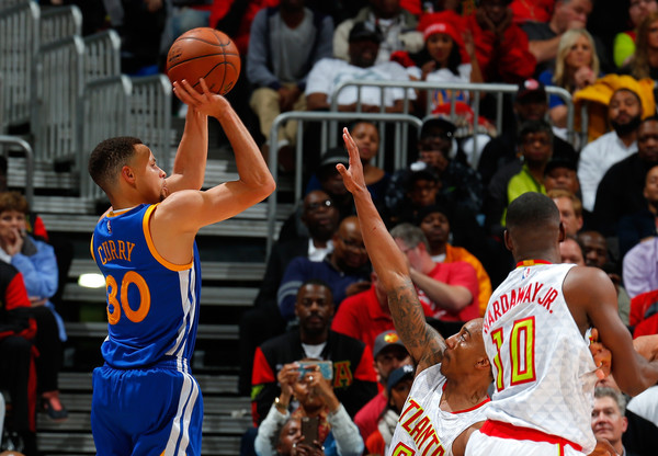 The best shooter in the NBA, Stephen Curry, led the Warriors to the fastest 50 victories in the tournament's history.